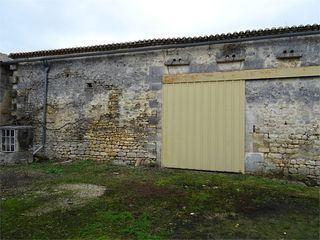 Grange PUYMOYEN 105 m² ()
