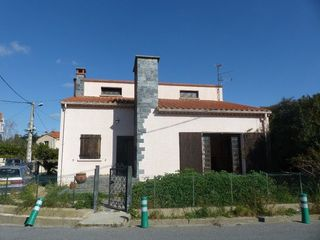 Maison de village PEZILLA LA RIVIERE 82 m² ()