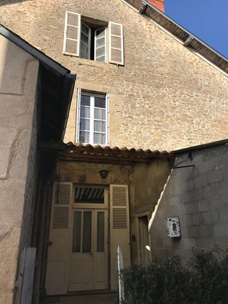 Maison CHATEAUPONSAC 115 m² ()