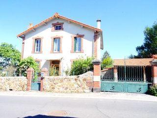 Maison de village AZERAT 133 m² ()