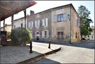 Maison de village SAINT PUY 115 m² ()