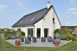 Maison contemporaine BLANGY SUR BRESLE 169 m² ()