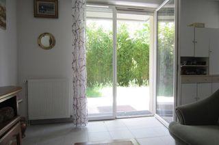Appartement en rez-de-jardin LAUNAGUET 64 m² ()