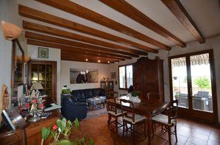 Maison de village MARIGNY LES USAGES 96 m² ()
