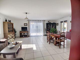 Maison plain-pied ESTAGEL 90 m² ()