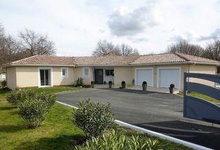 Maison contemporaine LESPARRE MEDOC 180 m² ()