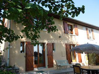 Maison mitoyenne SAINT GENIX SUR GUIERS 106 m² ()
