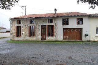 Maison de village BURIE 114 m² ()