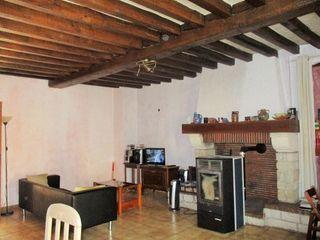 Maison de village DAMPIERRE SOUS BOUHY 100 m² ()