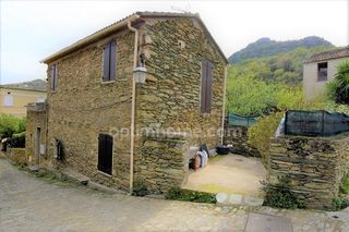 Maison de village SORIO 59 m² ()