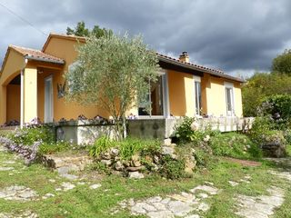 Maison BUGARACH 100 m² ()