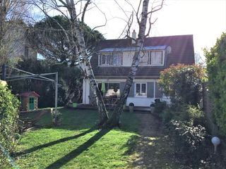 Maison LIVRY GARGAN 125 m² ()