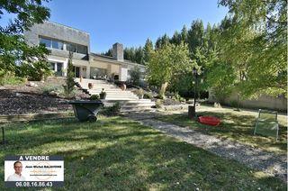 Maison contemporaine GALLARDON 282 m² ()