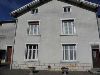 Maison de village CORRE 110 m² ()