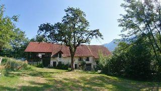 Grange LES ECHELLES 150 m² ()