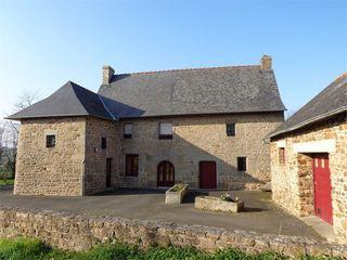 Maison de caractère FOUGERES 124 m² ()