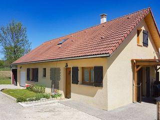 Maison BELLEY 120 m² ()