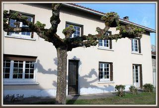 Maison de village AUBETERRE SUR DRONNE 190 m² ()