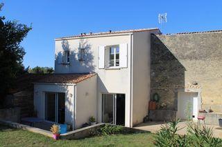 Maison BURIE 106 m² ()