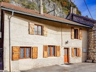 Maison de village CHINDRIEUX 100 m² ()