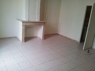 Appartement SAINT MITRE LES REMPARTS 25 m² ()