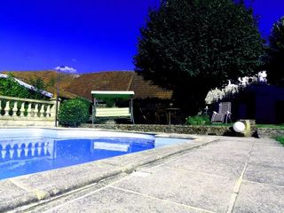 Maison AHUN 180 m² ()
