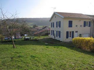Maison de village REVILLE AUX BOIS 81 m² ()
