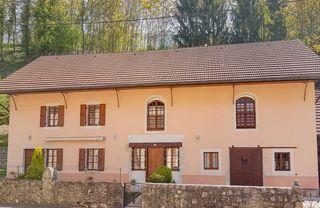 Maison de caractère SERRIERES EN CHAUTAGNE 180 m² ()