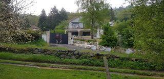 Maison contemporaine AYDAT 249 m² ()