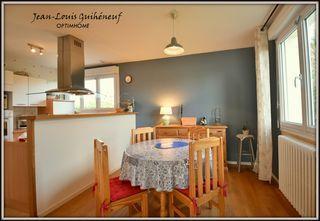 Maison VEZIN LE COQUET 90 m² ()