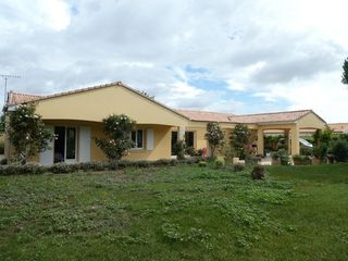 Maison LA FOYE MONJAULT 141 m² ()