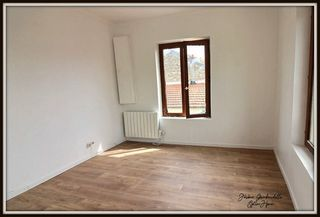 Appartement CARRIERES SOUS POISSY 20 m² ()