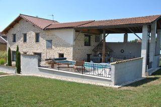 Maison en pierre CEYZERIAT 153 m² ()