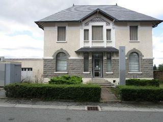 Maison BONNAT 194 m² ()