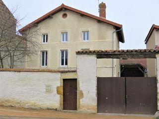 Maison de village LEZOUX 175 m² ()