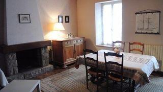 Maison de village SAINT GELVEN 85 m² ()