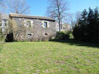 Grange ISSOIRE 68 m² ()