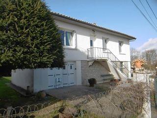 Maison BURIE 80 m² ()