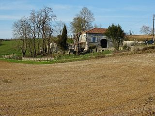 Maison en pierre CHAMPNIERS 130 m² ()