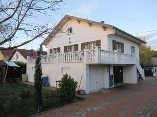 Maison AMBERIEU EN BUGEY 90 m² ()