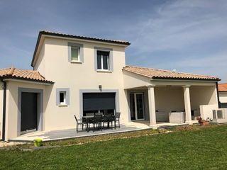 Maison contemporaine ROULLET SAINT ESTEPHE 135 m² ()