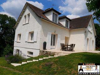 Maison NOGENT LE ROI 227 m² ()