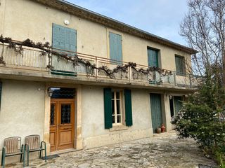 Maison de village SAINT VICTOR LA COSTE 144 m² ()