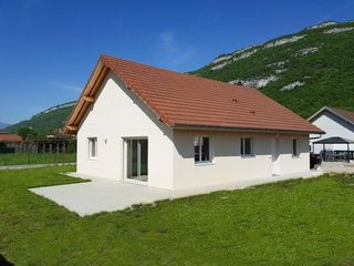 Maison VIRIGNIN 97 m² ()