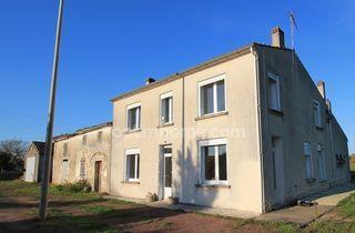 Maison en pierre st sulpice de cognac 111 m² ()