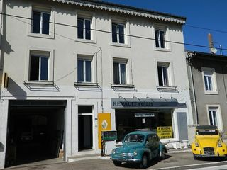 Maison de village ARRACOURT 390 m² ()