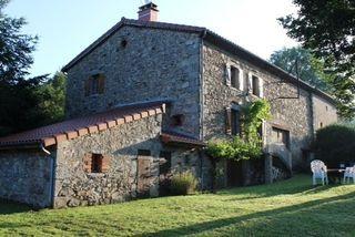 Maison en pierre VERNET LA VARENNE 100 m² ()