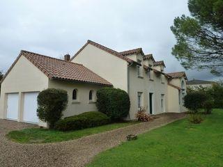 Villa d'architecte MIREBEAU 189 m² ()