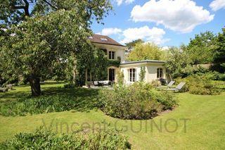 Maison bourgeoise FOURQUEUX 229 m² ()