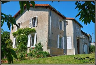 Maison bourgeoise LE MAYET DE MONTAGNE 250 m² ()
